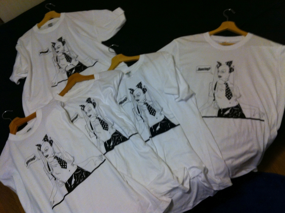 First set of screen printed T-Shirts / only euro-L size at the moment!